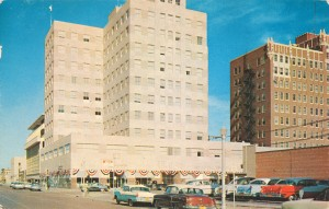 1959 postcard depicting the New First National Bank in Amarillo, TX